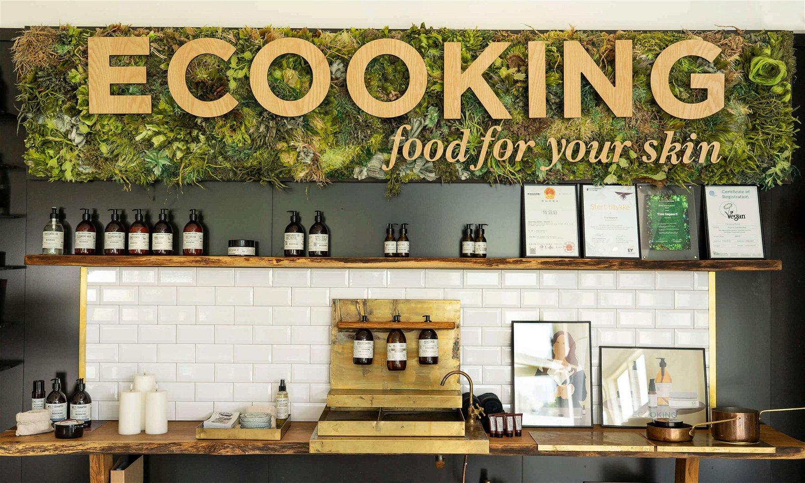 Ecooking display med diverse produkter