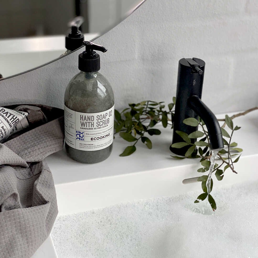 Hand Soap 02 With Scrub 500 ml